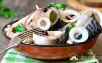 Вкуснейшая маринованная скумбрия с уксусом и луком